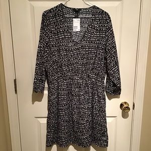 Cute NWT H&M dress with heart print! Size 12